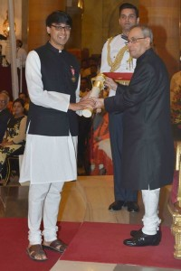 Manjul Bhargava receives the Padma Bhushan